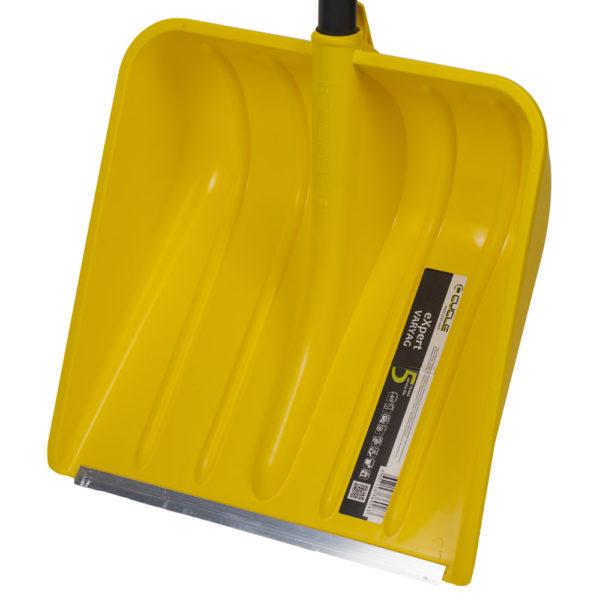 Ковш металлической лопаты Варяг Цикл с защитной планкой из металла на кромке